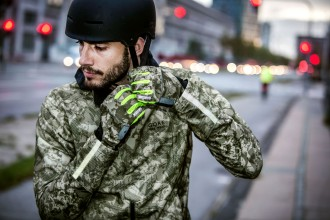 Gore-Bike-Wear-Camouflage-Jacke-Helm