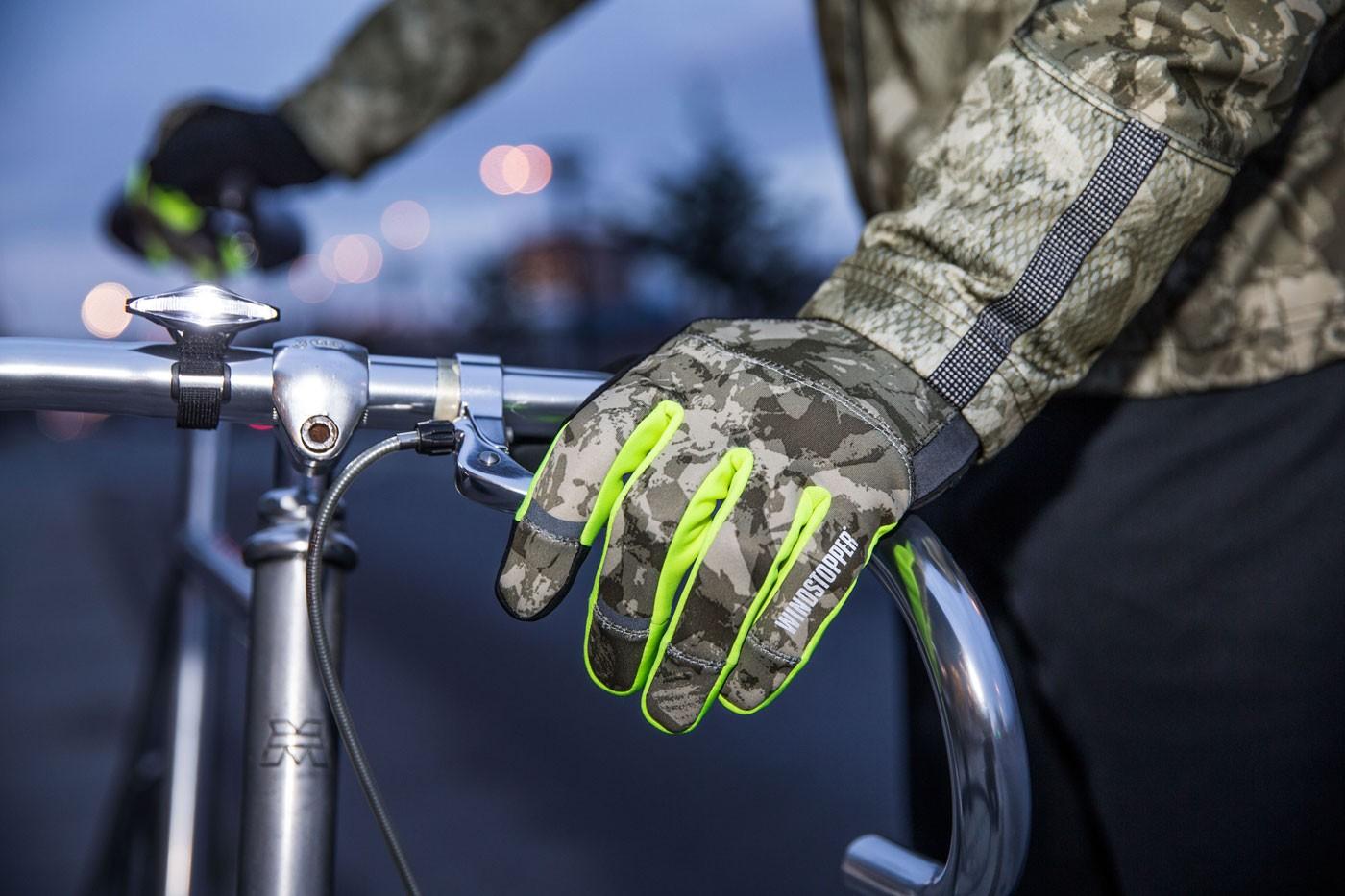 Gore-Bike-Wear-Handschuhe-Reflektoren