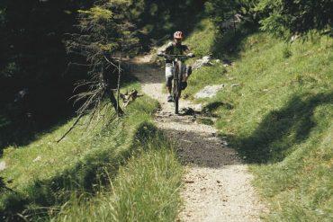 Uphill, Downhill, Freeride und die Moun10 Jugendherberge